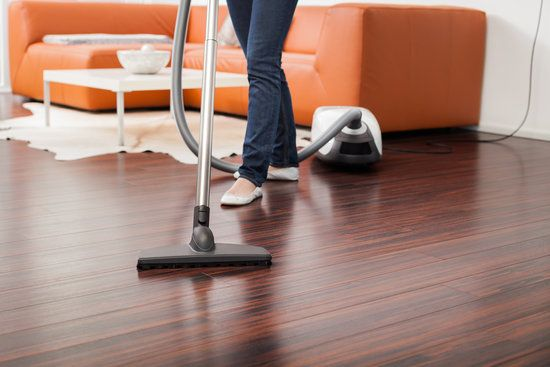 5 Reasons To Choose a House Cleaning Service vs Independent Cleaners
