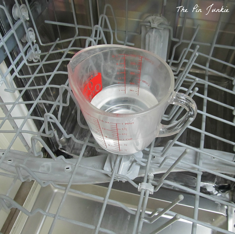 how to clean dishwasher vinegar