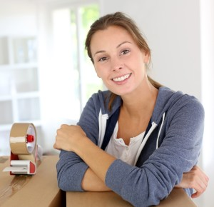 woman move out clean service