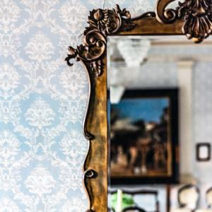 Wallpaper with decorative mirror